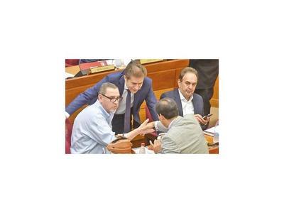 Senador de PPQ sugiere a sus pares depurar el Congreso
