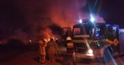 Reducto: quema de basura produjo un feroz incendio