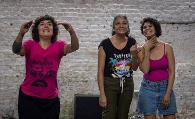 """HOY / """"Aháta aju"""": Teatro documental sobre la migración"""