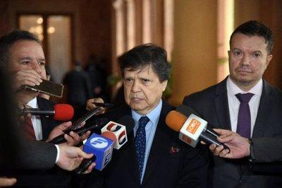 """Ministro propondrá """"toque de queda"""" a partir de mañana para hacer cumplir orden del gobierno"""