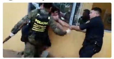 Santaní: detienen a 6 personas por no acatar orden del gobierno, uno agrede a policías