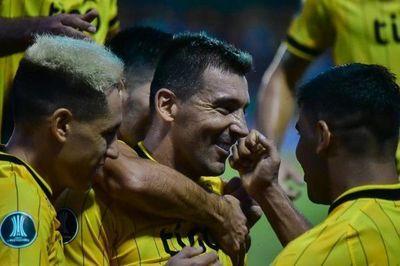 Guaraní aplastó a San José y se cita con Corinthians en segunda fase