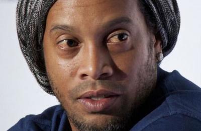 La millonaria fianza que ofreció pagar Ronaldinho para salir de la prisión en que está en Paraguay