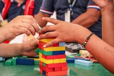 Psicóloga recomienda informar a niños sobre alcances del coronavirus mediante juegos y cuentos