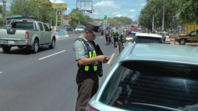 HOY / Prorrogan por un mes las sanciones por vencimientos de licencias de conducir