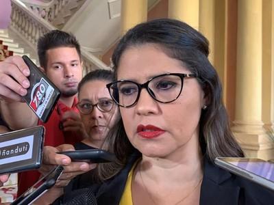 Ministra de Justicia arremete contra el Defensor del Pueblo: 'es triste que haya autoridades que aprovechen el momento difícil para generar conflicto'