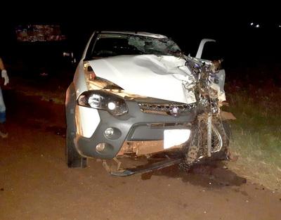 Motociclista muere descuartizado tras colisión frontal con camioneta