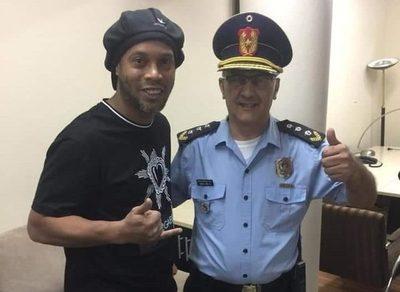 Ronaldinho ofreció un dineral y una 'mansión' a la justicia paraguaya