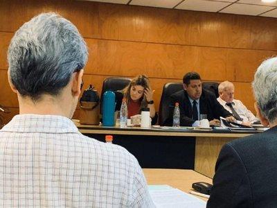 Corte sumaria a juez que habría dormido durante juicio