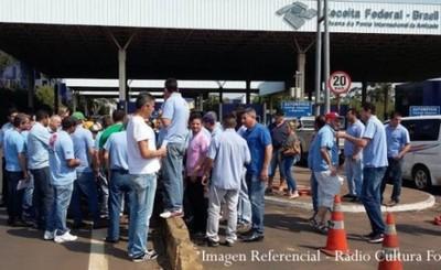 Transportistas brasileños exigen cierre de fronteras