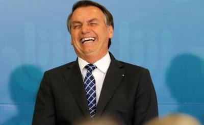 Bolsonaro festejará cumpleaños pese a primer muerto por Covid-19