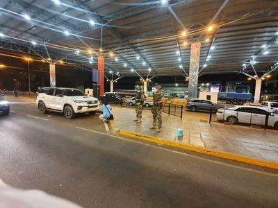 CDE: detienen a mujer que intentó ingresar al país con documento falso