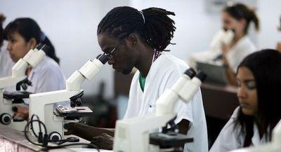 Cuba podría cooperar con el Mercosur con medicina