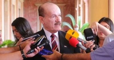 """Ministro de Defensa: """"FF.AA. no interviene directamente en las calles de Asunción sino detecta áreas problemas y avisa a la Policía"""""""