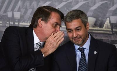 """HOY / Bolsonaro dijo que era """"histeria colectiva"""" pero ahora felicita a Abdo, según Cancillería"""