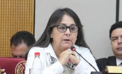 """HOY / Para senadora, no se puede extender mandato de intendentes por la """"excusa del coronavirus"""""""