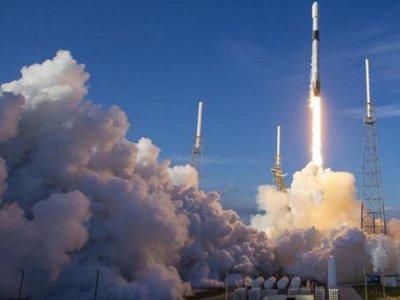 SpaceX pone en órbita 60 satélites más para crear red de alta velocidad
