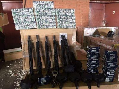 Incautaron armas de guerra en el aeropuerto Guaraní