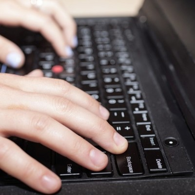Masiva postulación vía electrónica de jóvenes a Becas de la Juventud