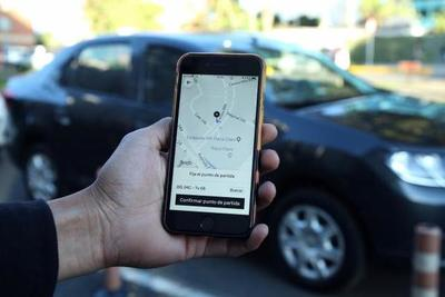Uber otorgará descuentos a profesionales de la salud tras acuerdo con el MOPC
