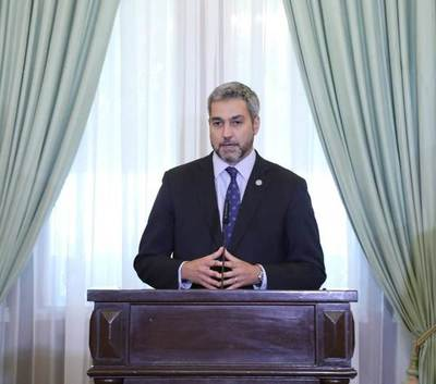 Mario Abdo presenta medidas para garantizar recursos al sistema de salud durante emergencia sanitaria