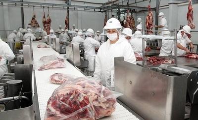 HOY / Precios de la carne deben bajar y temen caída de la exportación con cierre de frontera