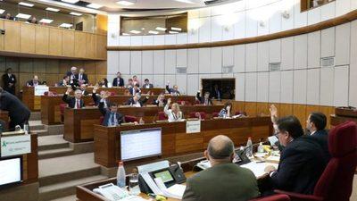 Senado estudiará regulación del tabaco y ley antilavado de dinero