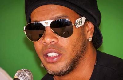 'Lo vi un poco desanimado': amigo revela cómo Ronaldinho pasa sus días detenido
