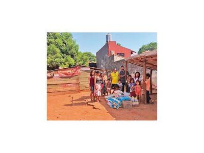 Con kits de alimentos, el Indi busca contener salida de nativos en calle