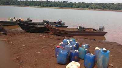 Incautan embarcaciones en zona de Reserva Natural Pikyry