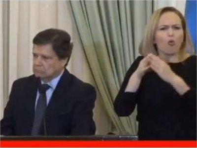 Lorena, la traductora de lengua de señas que acaparó la atención