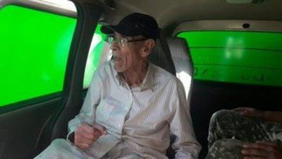 Militares asisten a excombatiente que quedó varado en Asunción