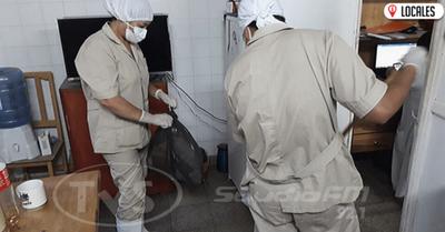Denuncian falta de pagos a los limpiadores y enfermeros del Hospital Regional