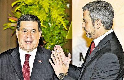 Pacto Abdo-Cartes Partido Kolo'ógua ndaha'éi en vano, omoañete senador Silvio Ovelar