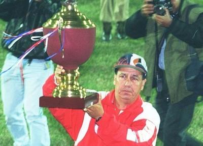 Eterna partida de Juan Zacarías, DT paraguayo que sólo fue superado por Alex Ferguson