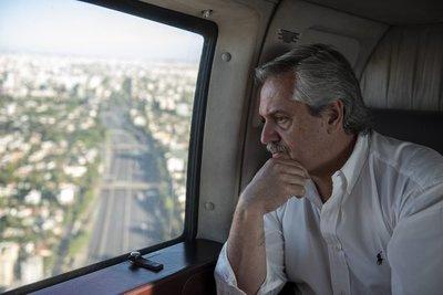 Argentina evalúa interrumpir todos los vuelos internacionales especiales
