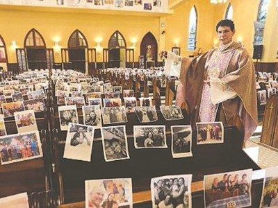 Pa'i recibió 100.000 fotos de sus fieles y las colocó en los asientos