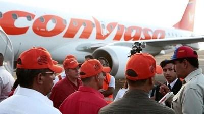 """Venezuela: Aereolínea utiliza rampa presidencial con la excusa de hacer """"vuelos humanitarios"""" con altos costos por pasaje"""