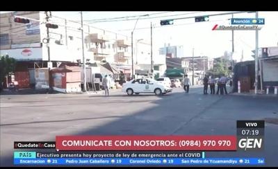 """HOY / Paro afecta a vendedoras del Mercado 4: """"Siento mucho lo que pasa"""""""