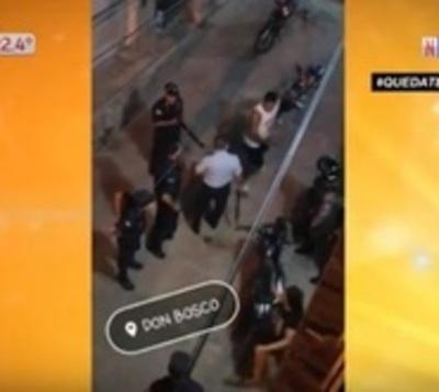 Hombre en desacato a paro total agredió a policías
