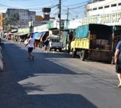Paro total: Cierran calles en la zona del Mercado 4