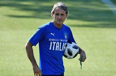 Roberto Mancini anima a los afectados por la pandemia