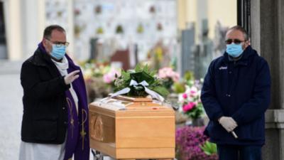 Los contagios y los muertos bajan en Italia por segundo día consecutivo