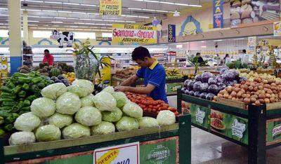 Anuncian controles a supermercados que disparan precios de alimentos