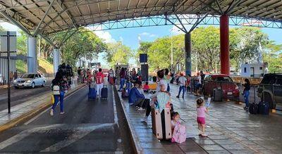 Tras intervención de Salud envían a sus ciudades a paraguayos ingresados desde Brasil