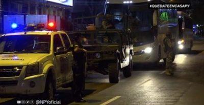 Paraguayos llegan de Brasil y son confinados a hotel