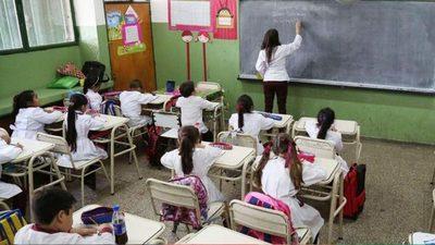 1.370 millones de niños y jóvenes dejaron de asistir a las escuelas