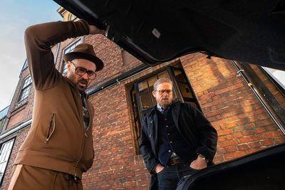 """""""Los caballeros"""", un buen regreso a las raíces de Guy Ritchie"""