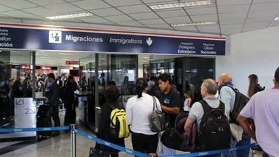 Paraguayos varados en aeropuertos serán asistidos