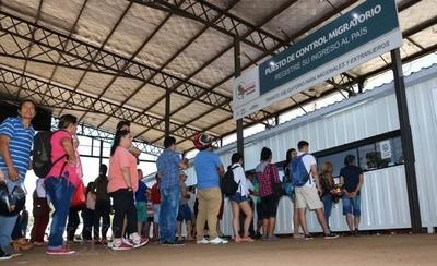 HOY / Más de 400 paraguayos quedaron sin trabajo en el exterior y piden volver al país